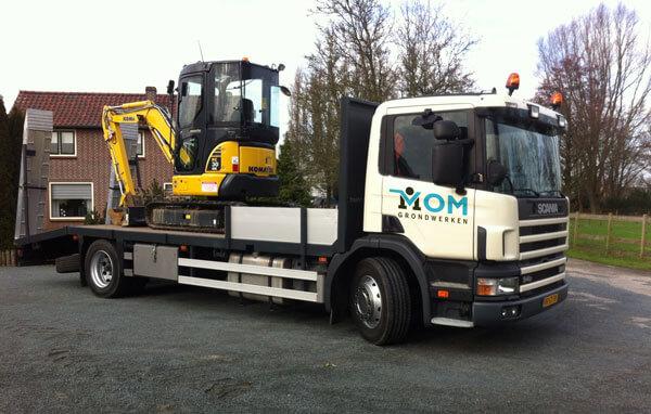 grondverzetbedrijf machines vrachtwagen